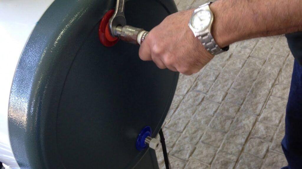 correcta fijacion tuberias de agua al calefon fiasa
